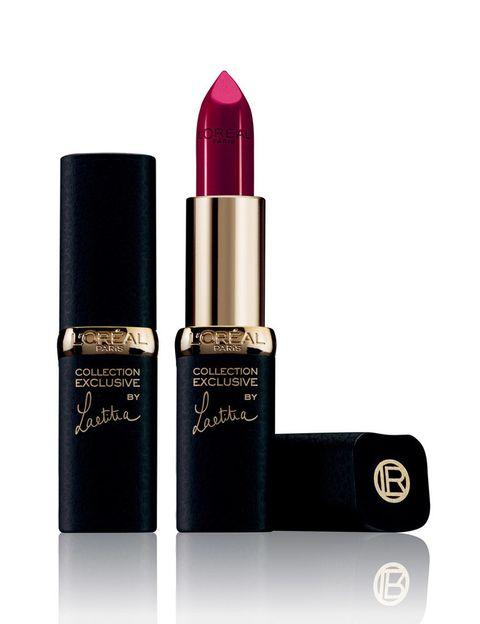 """<p>Un tono así, el Laeititia de '<a href=""""http://www.loreal-paris.es/maquillaje/labios/color-riche-exclusive/barra-labios-rojos-puros.aspx?utm_source=elle&amp&#x3B;utm_medium=display&amp&#x3B;utm_content=skin&amp&#x3B;utm_campaign=rojos_puros"""" target=""""_blank"""">Collection exclusive rojos puros' by Color Riche de L'Oréal Paris</a>,&nbsp&#x3B;apetece combinarlo con 'looks' de noche y estilismos otoñales.</p><p>Hemos elegido uno estilo 'rock-cowboy' inspirado en el negro.</p>"""