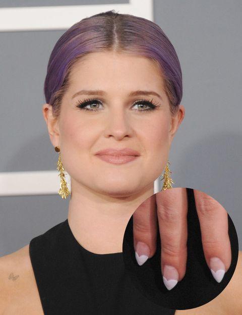 <p><strong>Kelly Osbourne</strong> se adelanta a San Valentín con esta manicura en forma de corazón que lució en la última entrega de los premios Grammy.</p>