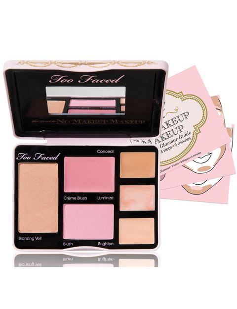 <p>'No Makeup Makeup Palette' (36 €), de <strong>Too Faced</strong>. Contiene todo lo necesario para lograr un efecto 'sin maquillaje': polvos compactos, colorete en crema y en polvo y varios correctores e iluminadores.</p>
