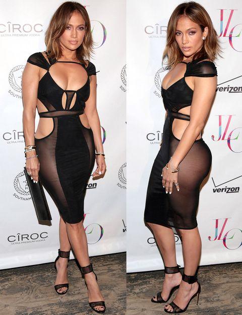 <p>No pudo elegir peor el look para su fiesta de 46 cumpleaños. <strong>Jennifer Lopez</strong> vuelve a hacer de la suyas con este ajustado vestido negro con transparencias incomprensibles de<strong> Bao Tranchi</strong>.</p>
