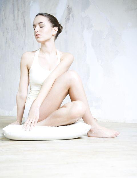 """<p>Si prefieres una rutina más relajante, el <strong>yoga</strong> es una opción perfecta y ahora, ni siquiera tendrás que salir de casa para practicarlo. El gimnasio 'online' <a href=""""http://gymoxion.com/"""" target=""""_blank"""">Gymoxion </a>ofrece clases virtuales en directo de yoga, pilates y 'dance fitness' con monitores cualificados. El precio, desde 4,16 € al mes, tampoco volverá a ser una excusa.</p>"""