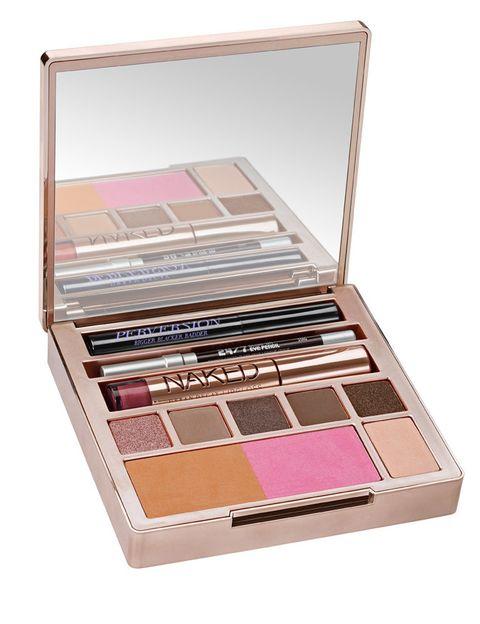 <p>'Naked On The Run', paleta con seis tonos de sombra, polvos bronceadores, colorete, lápiz de ojos, brillo de labios y máscara. De <strong>Urban Decay</strong> (49 €).</p>