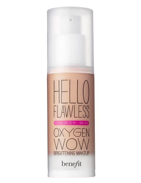 <p><strong>Hello Flawless Oxygen Wow!</strong> de <strong>Benefit</strong>. Ligero, ayuda a la respiración celular de la piel (36,90 €).</p>