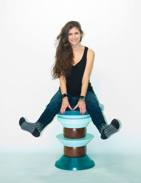 """<p>La vida natural y en movimiento es el leitmotiv que rige las creaciones de la diseñadora Nina Dubarry. Para muestra, una de las piezas de su última colección: <i>Juju</i>, un conjunto de elementos de madera que, según cómo se combinen, pueden usarse como taburete, perchero, lámpara. ¡Puro ingenio! <a href=""""http://www.ninadubarry.com/"""" target=""""_blank""""><strong>www.ninadubarry.com</strong></a></p>"""