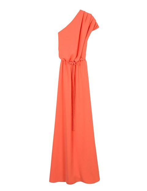 <p>Asimétrico de color naranja de&nbsp;<strong>Dolores Promesas Heaven por 385 €.</strong></p>