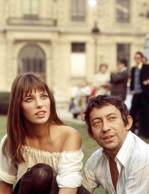 <p>Birkin fue la famosa musa de Gainsbourg, y aunque no se casaron nunca oficialmente, tuvieron una hija, Charlotte, antes de su separación en 1980.</p>