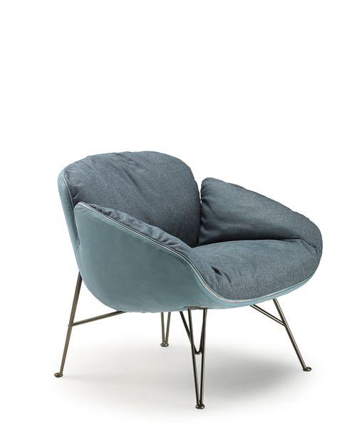 """<p>Mauro Lipparini es el creador de <i>Juno</i>, una original butaca bicolor en la que el asiento y el respaldo se unen a través de una sinuosa cremallera. ¡Ideal! De Arketipo. <a href=""""http://arketipo.com/"""" target=""""_blank"""">arketipo.com&nbsp;</a></p>"""