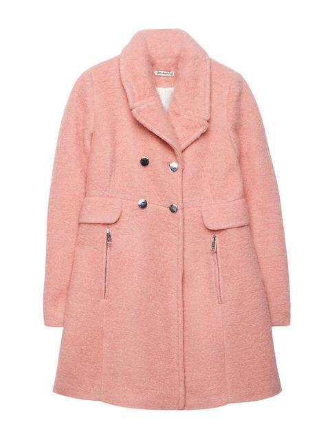 <p>Abrigo de corte lady en tono rosa empolvado de<strong> Stradivarius, </strong>69,95 €.</p>
