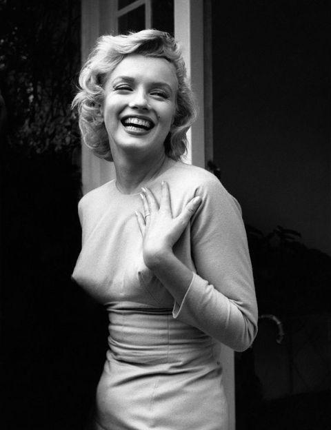 <p> Emmeline Snively, a agente de <strong> Marilyn Monroe </strong>, sugeriu não apenas a mudança de nome, mas também a cor do cabelo, que ela acreditava ser mais glamorosa para o momento. & nbsp; </p>