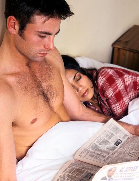 """<p>La falta de atención <strong>es el principal motivo por el que las mujeres españolas deciden dar el paso</strong> de tener una aventura o una relación fuera de la pareja. Ésta es la conclusión del estudio realizado por <a href=""""https://www.ashleymadison.com/"""" target=""""_blank"""">Ashley Madison</a> a 11.814 mujeres y 10.953 hombres inscritos en la web. <strong>Los signos.</strong> Tu pareja ya no te dice cosas bonitas, no se molesta por saber cómo estás, no se fija en tu aspecto aunque te arregles, prefiere ver la tele a hablar contigo, <strong>apenas conversáis cuando salís a cenar, ya no tiene detalles contigo</strong>, no te hace sentir querida… Si sientes estos signos cuidado, puedes estar dando pasos hacia la infidelidad.</p><p></p>"""
