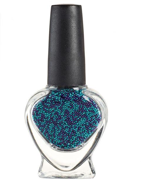<p>'Nail Pearls' (6,95 €), de <strong>Claire's</strong>. Para una manicura con efecto relieve.</p>