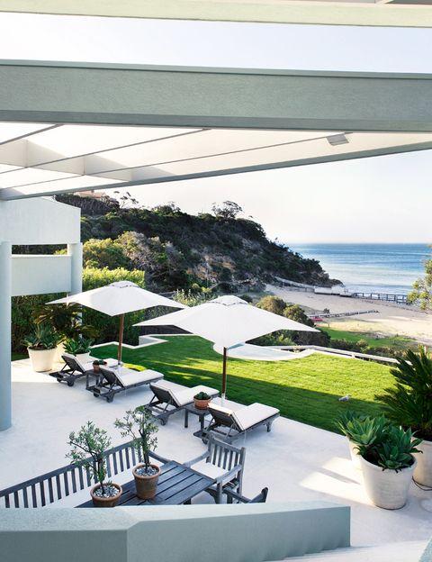 <p>El nombre de la casa, Miramar, no podía ser más acertado por las increíbles vistas de la costa que se disfrutan desde las terrazas y el jardín.</p>