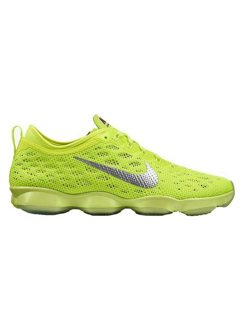 """<p>&nbsp;</p><p>Súper ligeras y cómodas, tienen cámaras de aire independientes que permiten que las zapatillas se flexionen en múltiples direcciones y faciliten cualquier ejercicio. Ideales para las más atletas, sobre todo si entrenan en el gym. 130 €. <a href=""""http://www.nike.com"""" target=""""_blank"""">nike.com</a></p><p>&nbsp;</p>"""