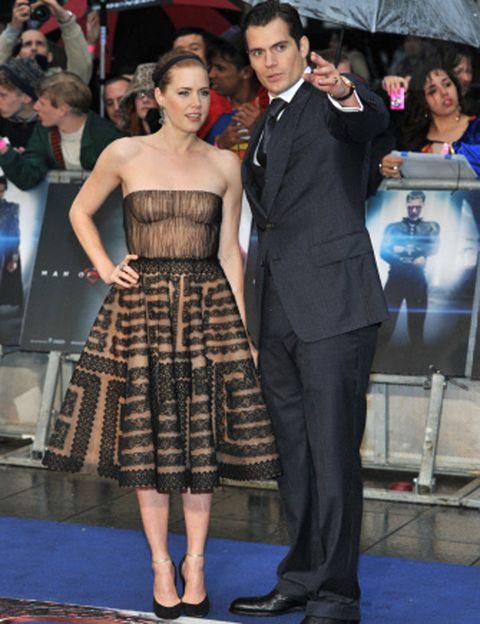 """<p>Christopher Nolan es el productor y guía espiritual del reinicio de <strong><i>""""Superman""""</i> por encargo expreso de la Warner</strong>, que quería una resurrección cinematográfica para la saga tan aclamada como la de Batman. Nolan y Zack Snyder (<i>""""Watchmen"""", """"300""""</i>), director de la película, buscaron durante meses al actor ideal para llevar la """"S"""" en el pecho. <strong>Amy Adams ha sido la actriz elegida para interpretar a la famosa Lois Lane.</strong></p><p></p>"""