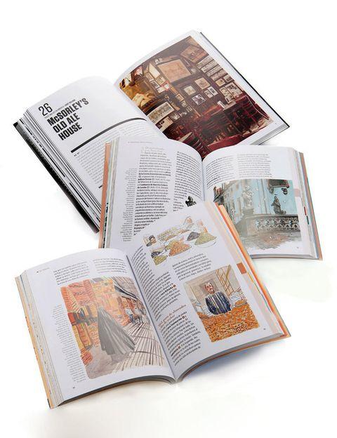 <p><strong>No caer en los tópicos</strong> es el objetivo de estas opciones: NY de El Padrino (Lunwerbg, 19,95 €), los Itinerarios de Praga o Marrakech (Geoplaneta), que cuentan leyendas y lugares secretos (15 €), y París Forever (Chronicle Books), que recorre los lugares favoritos de personajes como Edith Piaf, Coco Chanel, Pablo Picasso, Matisse o Napoleón (10,36 €).</p>