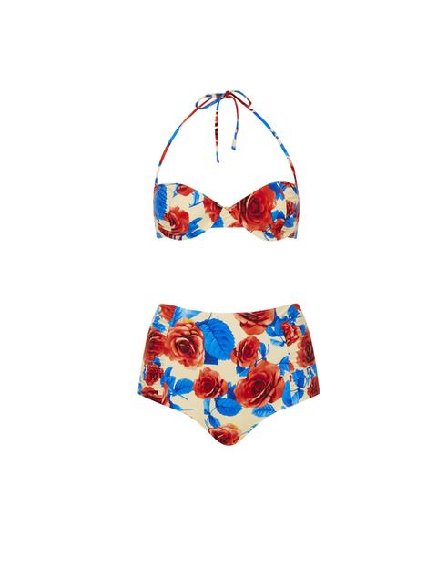 <p>Los bikinis retros son ideales para marcar la diferencia en la playa. Y además ¡hacen tipazo! Es de Topshop 44 €.</p>