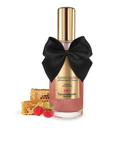 """<p>&nbsp;</p><p>El aceite de masaje es <strong>uno de los must para parejas</strong>. Y en nuestro top ten no podían faltar los de la exquisita línea de cosmética erótica de Bijoux Indiscrets. Cada uno produce un efecto diferente, desde calor, a brillo o deseo. Y sus aromas no pueden ser más apetecibles: cacao negro, caramelo salado, fresas del bosque, jazmín… 23,95 € en <a href=""""http://www.bijouxindiscrets.com"""" target=""""_blank"""">Bijouxindiscrets.com</a></p><p>&nbsp;</p>"""