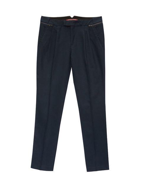 <p>Pantalones con pinzas de <strong>Comptoir des Cotonniers (135€)</strong></p>