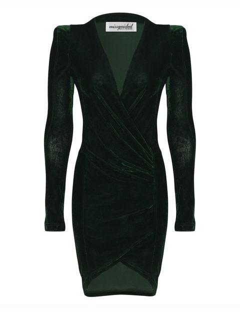 <p>Vestido ajustado de terciopelo verde de&nbsp;<strong>Miss Guided (36, 71€).</strong></p>
