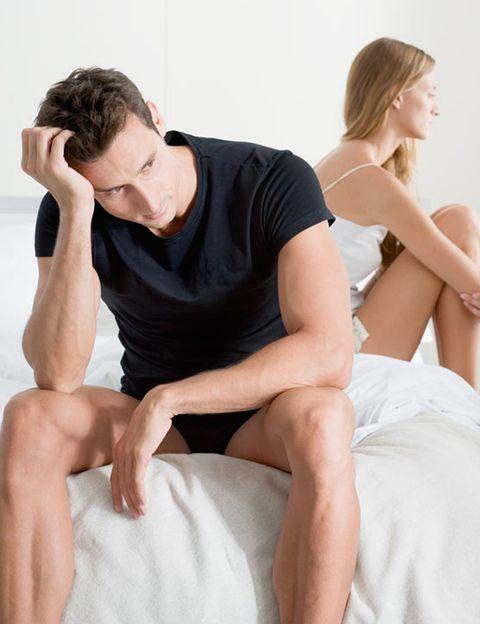 """<p>Todos estamos sometidos a cierta dosis de estrés en nuestro día a día, pero <strong>cuando éste es excesivo, afecta al humor, al estado de ánimo, a la salud y, por supuesto, a la libido</strong>. La ansiedad, el nerviosismo y la irritabilidad propios de las personas estresadas tampoco favorecen el apetito sexual. <strong>Cómo evitarlo.</strong> Delega al máximo en el trabajo y en casa y no te sientas culpable si las cosas no están perfectas. Como dice Susana Vega, de <a href=""""http://www.cdmetropolitano.com/madrid/mcm-evoluzion"""" target=""""_blank"""">MCM Evoluzión</a> (Aravaca, 7. Madrid. tel. 91 553 60 70), <strong>practicar yoga un par de días a la semana es muy efectivo</strong> para canalizar el estrés del día a día.&nbsp&#x3B;</p><p>&nbsp&#x3B;</p>"""