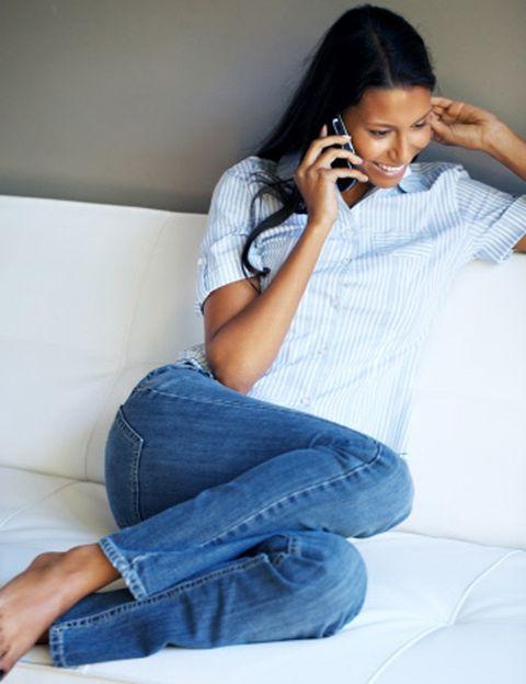 """<p>¿Cada uno está en su trabajo? Es el momento de hacer <strong>que salten chispas en vuestros teléfonos</strong> móviles. Y no sólo con wpp subidos de tono. Puede ser mucho más divertido utilizar una app sexy, como <strong>Vida sexual</strong>, para proponerle las posturas que quieres probar, Sex Drive, para estimular vuestro deseo sexual, Sex Roulette, para compartir un juego picante, o <strong><a href=""""http://www.2getherapp.com/"""" target=""""_blank"""">2Gether App</a>, para tener un espacio online</strong> sólo con tu chico.</p><p>&nbsp;</p>"""