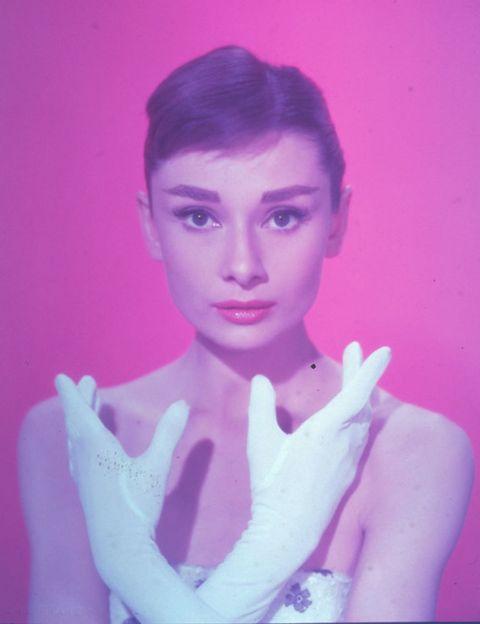 <p> <strong> Audrey Hepburn </strong>, uma das atrizes mais amadas e importantes da época de ouro de Hollywood, mudou um nome de difícil pronúncia e duração especial para um que o público do cinema jamais esquecerá. </ p >