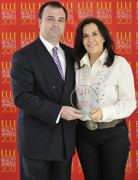 <p>El ganador del premio a <strong>Mejor Mascarilla </strong>fue para<strong>&nbsp&#x3B;Black Rose Cream de Sisley</strong>. Recogió el premio <strong>Álvaro Artiach</strong>, Director General de Productos de Belleza Sisley España, y <strong>Fe Fernández Richart</strong> del Departamento de Marketing de Sisley.</p>