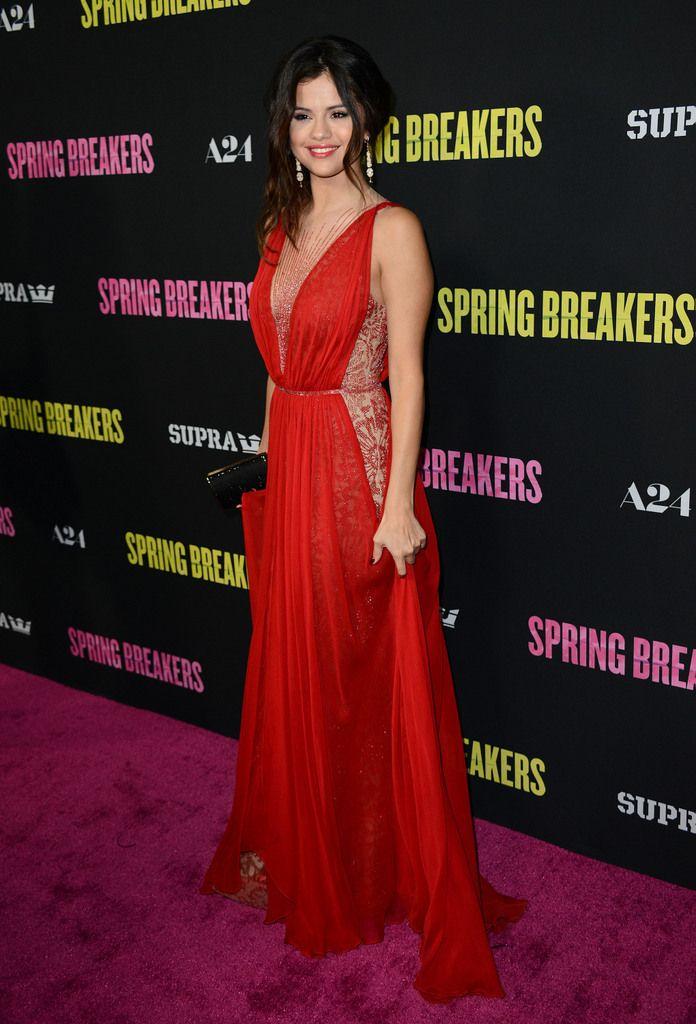 Selena Gómez y su Givenchy brillaron en la alfombra roja de