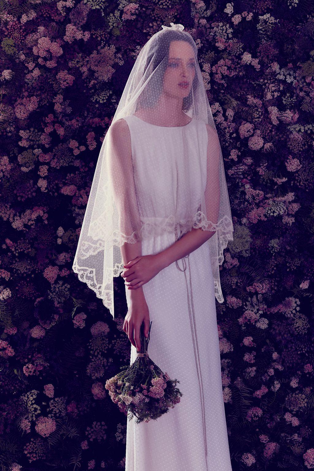 Blanca y de Ailanto va la novia