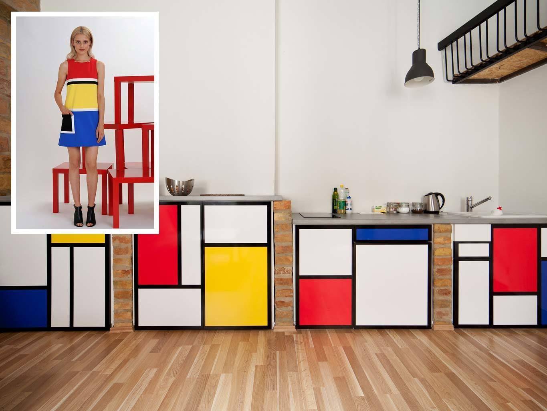 <p>El estilo de Mondrian ha inspirado este minivestido de Lisa Perry y también el mobiliario de este apartamento, situado en el centro de Budapest. Lo que tienes ante tus ojos es la cocina. ¡Exquisita! Desde 39 €/ noche.</p>