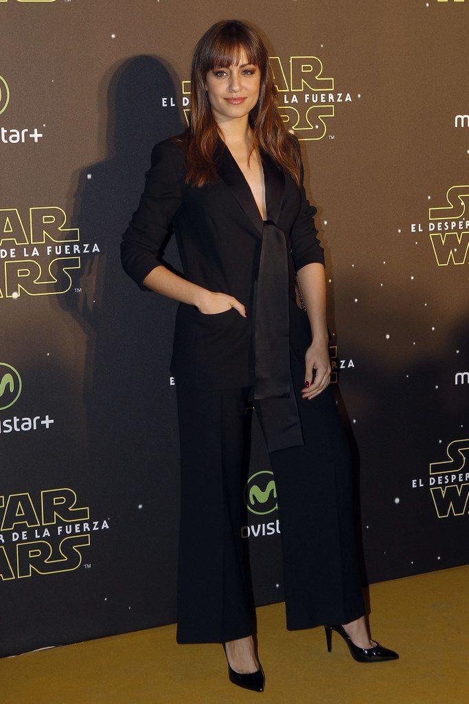 <p>La más elegante de la noche fue <strong>Hiba Abouk</strong> con un traje negro de lo más sensual y elegante. De 10 también su look beauty.</p><p></p>