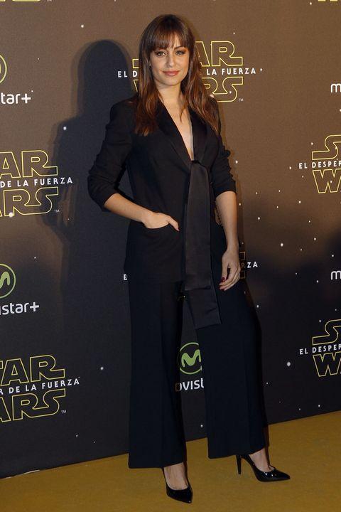 <p>La más elegante de la noche fue <strong>Hiba Abouk</strong> con un traje negro de lo más sensual y elegante. De 10 también su look beauty.</p><p>&nbsp;</p>