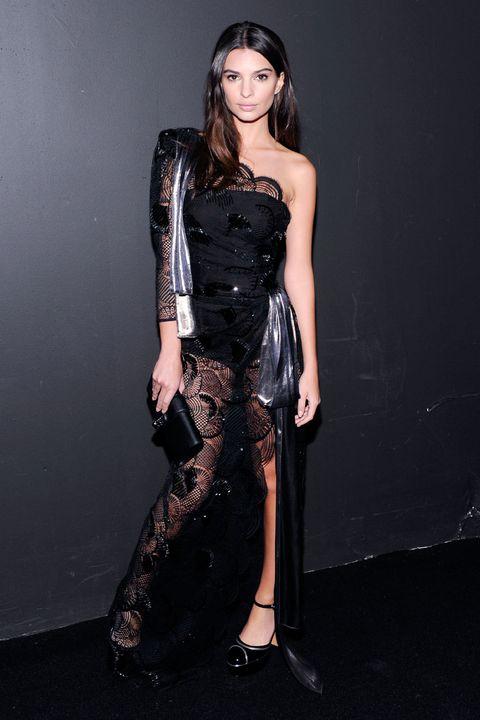 <p><strong>Emily Ratajkowski</strong> acudió al desfile de cierre de<strong> Marc Jacobs</strong>.</p>