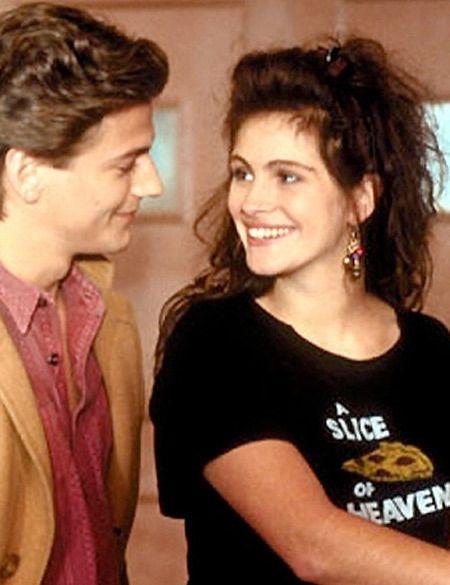 <p>Su primer papel de relevancia fue en esta película de 1988. Entonces ya lucía la melena rizada que la ha convertido en un icono.</p>