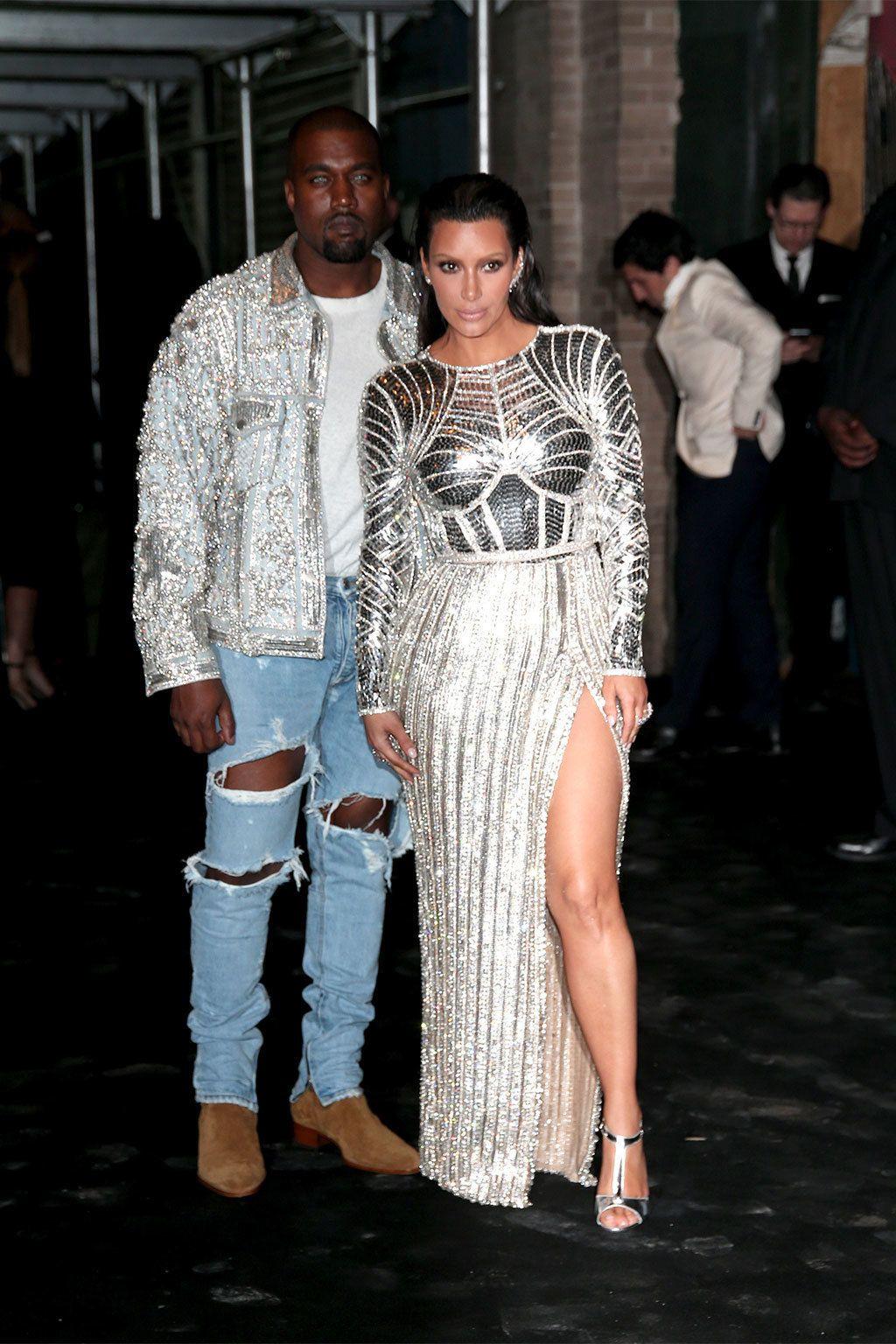 <p>&nbsp&#x3B;<strong>Kim Kardashian y Kanye West</strong> asistieron a la fiesta de su amigo tras la gala, y ninguno de los dos pasó por el vestidor para cambiarse.</p>