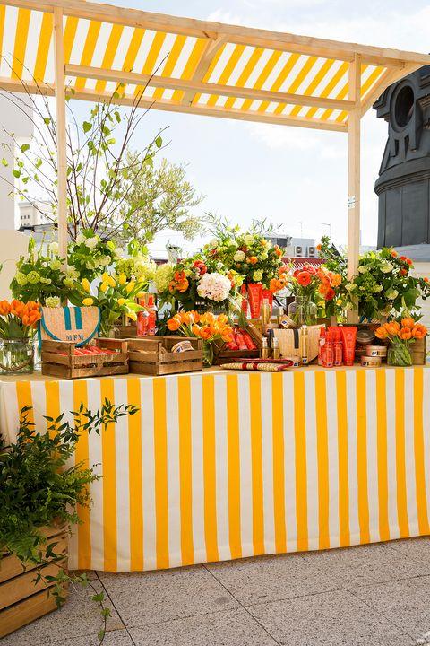<p>Nuestra cita de afterwork en la terraza Mint Roof del hotel Vincci The Mint de Madrid contó con una decoración de lo más bonita con toque summer de Floreale.&nbsp;</p>