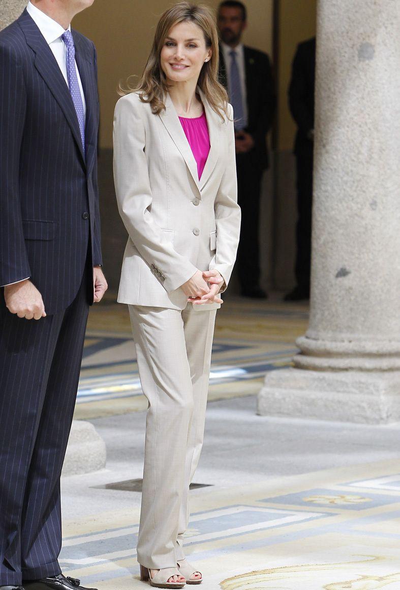 Reina De La Los Looks Letizia Yf6gyb7