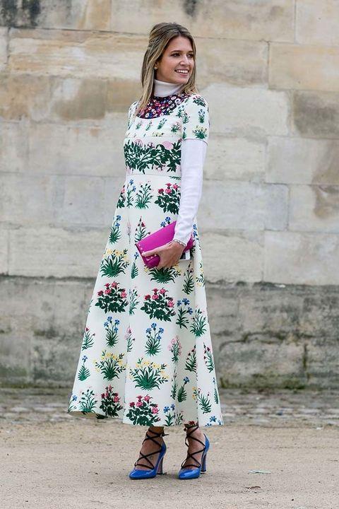 <p><strong>Helena Bordon</strong> da una elección de elegancia maxi floral.</p><p>&nbsp;</p>