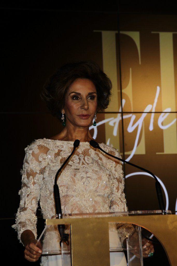 <p>Nati Abascal ha sido la encargada de entregar el premio a Edgar Osorio, por el mejor diseñador de accesorios.</p>