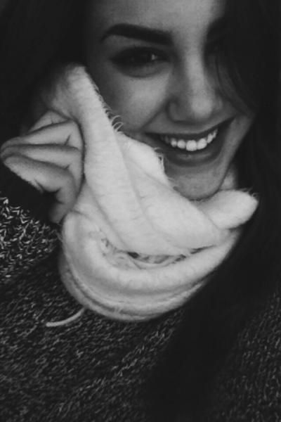 <p> Una sonrisa beauty y una foto preciosa han llevado a Beatriz a la final del concurso #sonreirestademoda. Como el resto de finalistas, es la ganadora de un pack Oral-B y una entrada VIP doble para MBFWM. <br />¡¡¡Felicidades!!!</p>