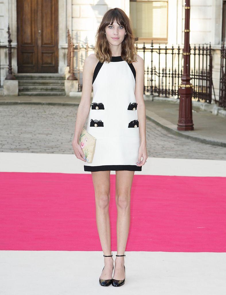 Quince maneras de llevar un vestido blanco