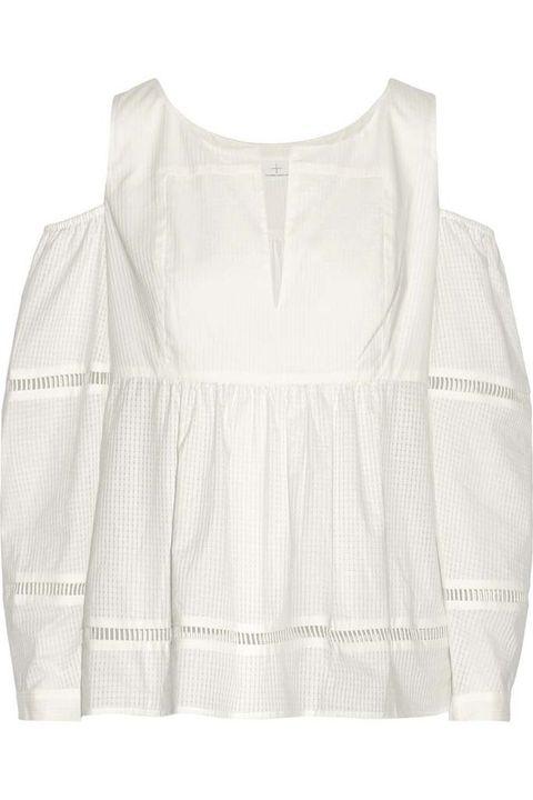 <p>Blusa de algodón y punto calado con hombros al aire de&nbsp;<strong>Thakoon Adittion,&nbsp;</strong>305 €.</p>