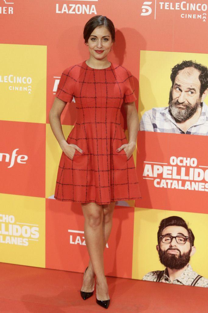 <p>En cambio el look de<strong> Hiba Abouk</strong>en este mismo estreno fue nuestro favorito con un vestido de cuadros en rojo y negro de <strong>Dior</strong> más salones a juego.</p>