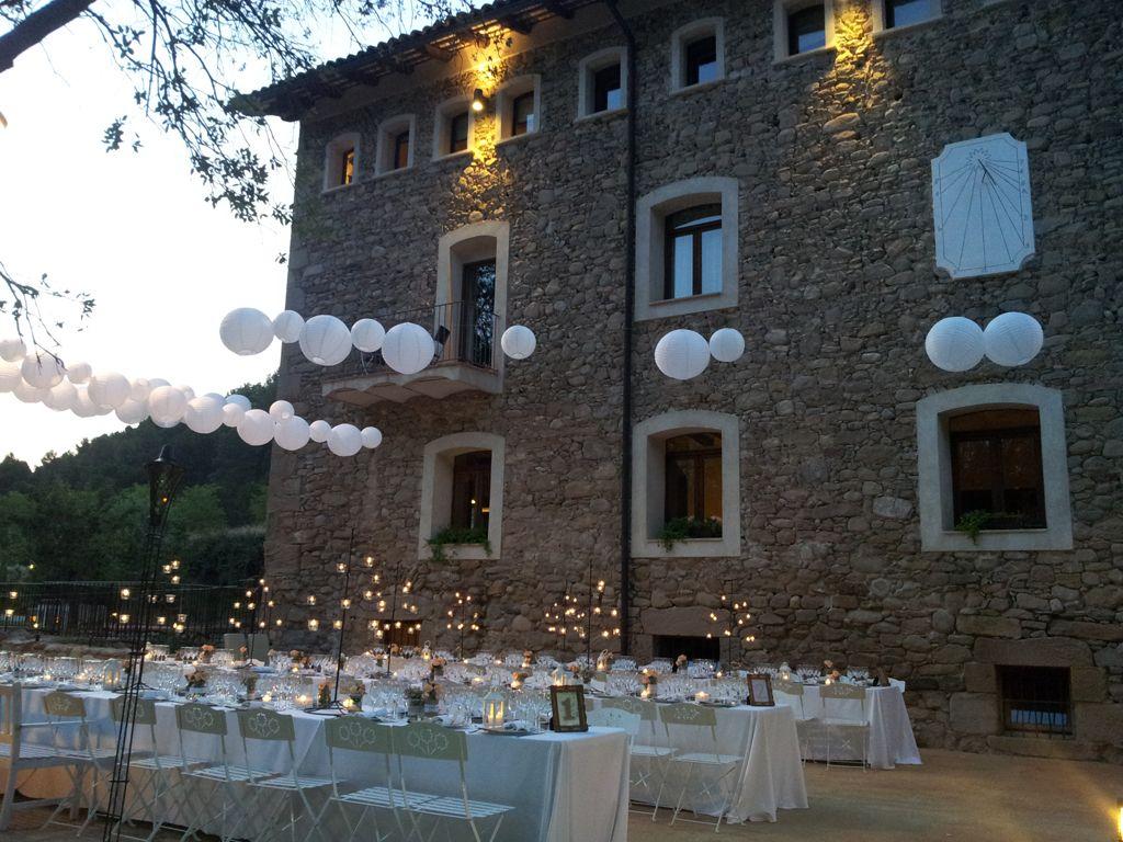 <p>Este antiguo molino de 1750 se ha restaurado y transformado con mimo para ofrecer un ambiente tranquilo y exquisito en el que celebrar bodas. Su proximidad a Barcelona es un plus y, si tienes prisa, este es tu lugar: son capaces de celebrar bodas hasta con una semana de antelación.</p>