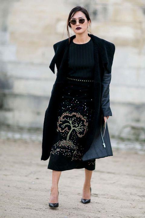 <p>Cuando se trata de vestir la elegancia, mejor que sea en negro.&nbsp;</p><p>&nbsp;</p>
