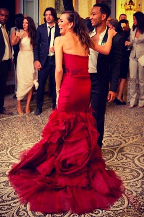celebrities con vestidos de novia de colores