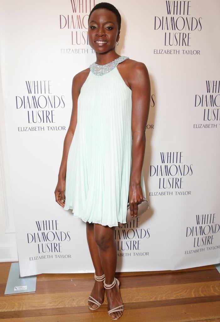 Zapatos para vestido blanco corto de encaje