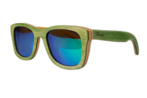 <p>Gafas de sol están hechas con diversos tipos de madera natural y flotan en el agua. De<strong> Woodys.</strong></p>