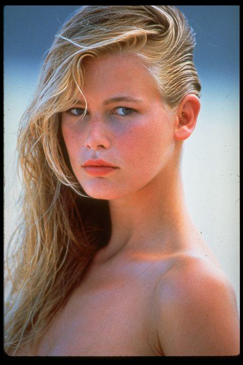 <p>Sus comienzos fueron de película. En 1987, con apenas 20 años, un agente publicitario la descubrió una discoteca en Düsseldorf. Pocos meses después, una portada suya en ELLE la catapulcó como modelo.</p>