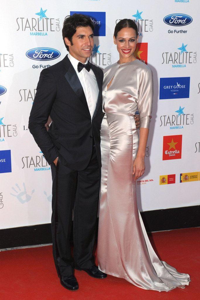 <p>La pareja más elegante de la Gala Starlite 2015 la formaronEva y Cayetano Rivera. Ella con un vestido de seda plateada y él de esmoquin.</p>